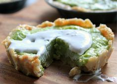 Lime Tart Raw Food Recipes, Healthy Recipes, Key Lime Pie, Tarts, Entertaining, Foods, Vegan, Drink, Cooking