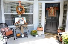 Fall Porch Decorating Ideas. I love this!