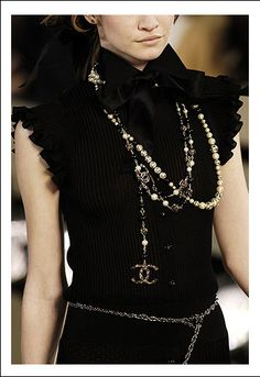 chanel_pearls_