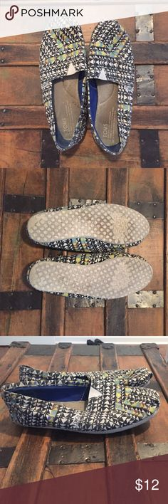 Tribal Women's TOMS Size 9, women's TOMS. Shoes are in decent condition but show some wear inside and light staining (see last picture). TOMS Shoes