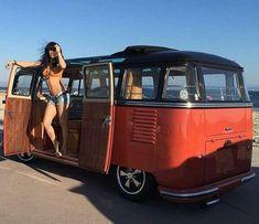Classic Cars And Girls Woman Beautiful 42 Volkswagen Minibus, Vw T1, Volkswagen Group, Volkswagen Transporter, Combi Ww, Kdf Wagen, Hot Vw, Bus Girl, Vanz