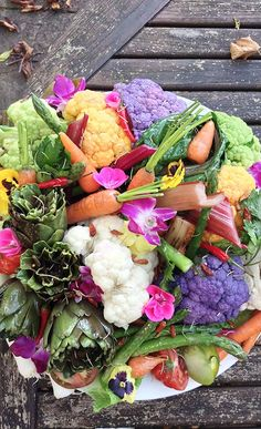 Mix and match colors for a beautiful vegetable tray!  | Dreamworks The Hundred-Foot Journey Movie
