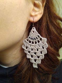 Items similar to Crochet Earrings on Etsy - Schmuck Crochet Earrings Pattern, Crochet Jewelry Patterns, Crochet Accessories, Crochet Necklace, Crochet Flower Tutorial, Crochet Flowers, Crochet Gifts, Knit Crochet, Yarn Crafts