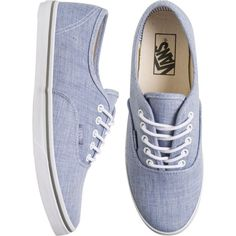 VANS Authentic lo pro shoe (159.765 COP) ❤ liked on Polyvore featuring shoes, sneakers, vans, chaussures, light weight shoes, laced up shoes, vans sneakers, flexible shoes and lightweight shoes