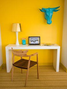 neat desk, love that chair