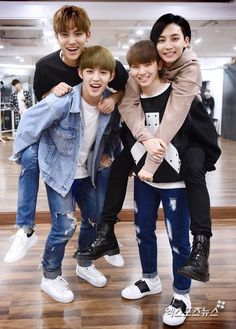 Mingyu, S.Coups, Jeonghan, Woozi...I am so proud Woozi isn't crushing under Jeonghan's weight!!XD