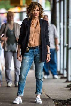 Jennifer Lopez, Shades of Blue set, June 2015