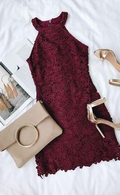 Halter deep burgundy dress with gold sandals. Add earrings and / or a . - Halter deep burgundy dress with gold sandals. Add earrings and / or a clip … - Glam Dresses, Cute Dresses, Short Dresses, Fitted Dresses, Formal Dresses, Lace Burgundy Dress, Deep Burgundy, Dress Lace, Dress Shoes
