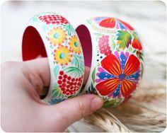 Supporting handmade in Ukraine!