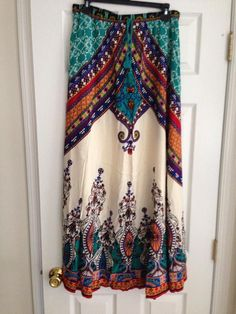 I love the colors and pattern in this Flying Tomato maxi skirt!