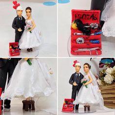 #noivinhospersonalizados #profissões #engenharia #engenhariamecanica #baixinha 👰 #noiva #penteados #noivinhos❤️ #caraarteembiscuit #caketopper #weddinginvitation #vestidodenoiva #love #música #casamento #wedding #weddingcake #topodebolo #topodebolopersonalizado #weddingdress #topodebolocasamento #noivinhos #biscuit #weddingcaketopper #noiva #casacomigo 💝 Orçamentos: caraarteembiscuit@yahoo.com.br, ou envie uma mensagem inbox na página https://facebook.com/caraarteembiscuit