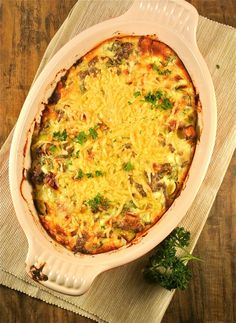 This recipe for South African bobotie is a classic family meal with beef mince, mango and savoury custard. Dutch Recipes, Low Carb Recipes, Easy Healthy Recipes, Cooking Recipes, I Love Food, Good Food, Yummy Food, Weigt Watchers, Food Porn