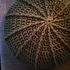 Stool Covers, Diy And Crafts, Ottoman, Beanie, Hats, Crocheting, Couture, Crochet Pouf, Farmhouse Rugs