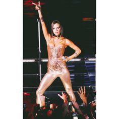 """Victoria performing Stop on The Return of the Spice Girls World Tour 2007/2008! ✌️ #spicegirls #spiceworld #girlpower #Posh…"""