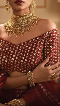 Azva modern gold showstopper necklace for brides – jewelry Gold Jewellery Design, Gold Jewelry, Gold Necklaces, Gold Bridal Jewellery, Indian Gold Jewellery, Pakistani Jewelry, Bridal Bangles, Quartz Jewelry, Diamond Necklaces