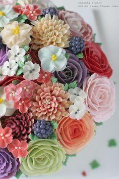 VERANDA STUDIO Butter cream flower cake :D