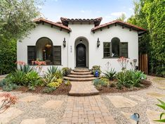 Spanish Revival Home, Spanish Colonial Homes, Spanish Style Homes, Spanish House, Mission Style Homes, Hacienda Style Homes, Mediterranean Style Homes, Spanish Exterior, Mexico House