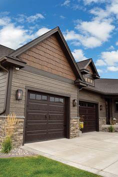 20 ideas for exterior house siding colors vinyls decor Exterior Siding Colors, Exterior House Siding, Cedar Siding, Exterior Paint Colors For House, Paint Colors For Home, Exterior Doors, House Siding Colors, Best Siding For House, Siding For Homes