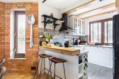 Piękna kuchnia: wnętrza w klasycznym stylu - Galeria - Dobrzemieszkaj.pl Kitchen Styling, Classic Style, Kitchen Design, New Homes, Table, Design Ideas, Furniture, Home Decor, Cottage