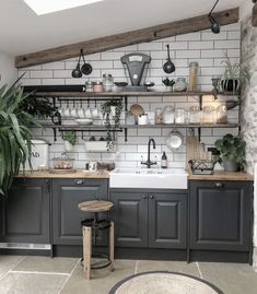 💚Kitchen Inspo Week💚⁣ ⁣ This morning's kitchen belongs to my newest Insta pal the gorgeous 💚⁣ ⁣ Jade was recently shortlisted… Rustic Kitchen Design, Home Decor Kitchen, Country Kitchen, Kitchen Interior, New Kitchen, Home Kitchens, Kitchen Corner, Kitchen Ideas, Kitchen Modular
