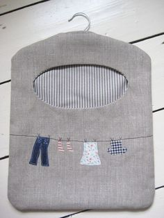 Ticketty Boo: Linen Washing Line Peg Bag