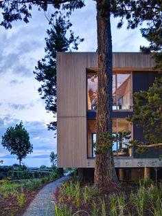 Saratoga Beach House | INTERSTICE Architects; Photo: Brad Laughton | Archinect