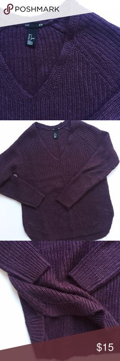 H&M v-neck sweater Nice, heavy warm sweater. Curved bottom hem Plum Size S Long sleeve Acrylic, mohair Originally $40 H&M Sweaters V-Necks