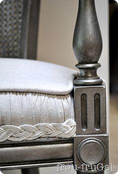 How to create an aged silver finish using Krylon metallic spray paint.