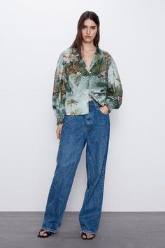 LOOSE-FITTING PRINTED SHIRT #shirt #covetme #sponsored Zara Spain, Zara Home Stores, Zara United States, Collar Shirts, Printed Shirts, Bell Bottom Jeans, Mom Jeans, Your Style, Long Sleeve