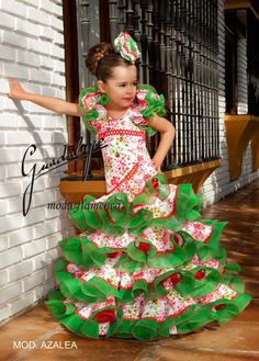 guadalupe moda - TorreFlamenca | trajes, calzado y complementos de flamenca Flamenco Costume, Jazz Dance Costumes, Flamenco Dancers, Salsa Dress, Spanish Fashion, Tribal Belly Dance, Ballroom Dance Dresses, Living Dolls, Gowns Of Elegance