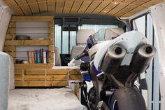 VW T5 Transporter Campingbus Ausbau mit Motorrad Campingbus DIY Campervan interior
