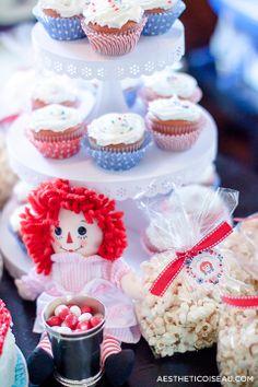Aesthetic Oiseau: Raggedy Ann Birthday Party - Raggedy Ann Cupcakes