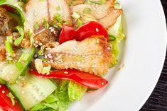 10 рецептов салатов из пекинки и 10 фото-идей салатов: легких и сытных, диетических и питательных, насыщенных, теплых, необыкновенных и самых простых.