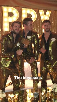 Check out Miley Cyrus @ Iomoio Hemsworth Brothers, Chris Hemsworth Thor, Miley Cyrus, Miley And Liam, Superhero Movies, Aesthetic Videos, Video Photography, Hunger Games, Cute Guys