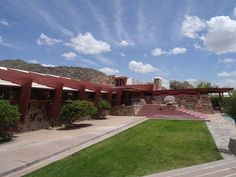 Frank Lloyd Wright Taliesin West. Read its story clicking on the image.