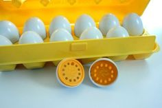 Counting Eggs from Playskool.I had these with a blue carton. Retro Toys, Vintage Toys, Vintage Stuff, My Childhood Memories, Childhood Toys, Party Like Its 1999, Vintage Fisher Price, I Remember When, Souvenirs