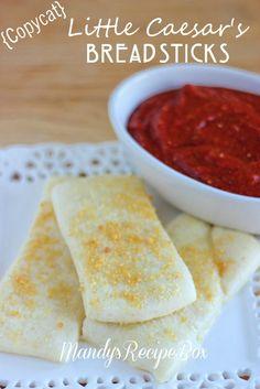 Copycat Little Caesars Breadsticks on MyRecipeMagic.com #breadsticks #copycat #littlecaesars