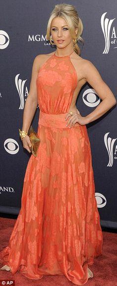Julianne Hough in a Randi Rahm gown. #Orange #ColorIntensity #TurnHeads