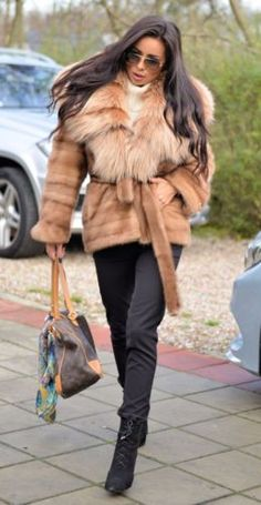 Made In Italy Size Xl European 52 Delicacies Loved By All Discreet Shearling Fur Coat