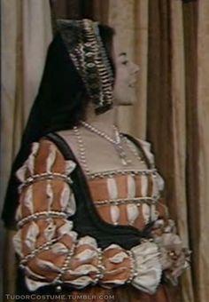 Anne Boleyn's Orange Gown (The Six Wives of Henry... | Tudor Costume