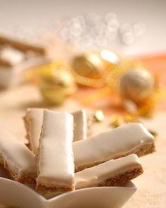Parížske tyčinky: Dobroty ako pod snehovou perinou Czech Recipes, Biscuit Recipe, Shortbread, Tiramisu, Biscuits, Food And Drink, Cookies, Baking, Sweet