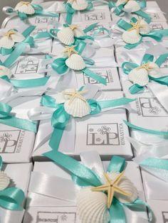 Bomboniere confezionate in stile tema mare per ricordare il vostro giorno piu' importante... confezionate con amore da Tiffany Store Lab...