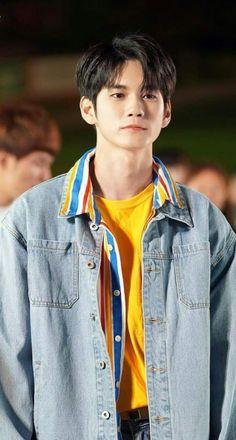 Ong Seongwoo, Wheein Mamamoo, Weightlifting Fairy Kim Bok Joo, Boy Idols, Kdrama Actors, Digital Portrait, Portrait Art, Kpop Boy, Handsome Boys