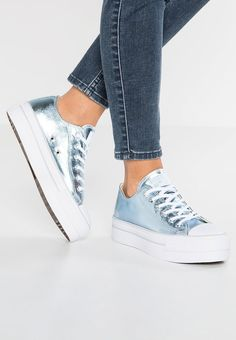 490db6a1fcb2 Grab the Main Color of Blue Converse Chuck Taylor All Star Ox Platform  Canvas Metallic Men Women Trainers Low At bestsellingwholesale - Converse  Chuck ...