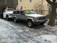 2001 JEEP CHEROKEE 'Sport', 4x4, Auto, 4dr., 187k miles.  4.0L Straight In-Line 6cyl.  Silver w/ Grey Cloth Int., Power Windows, Power Locks.  RUNS STRONG!!!   THINK WINTER...........                 PRICE: $1500.