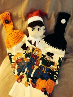Fabulous fall theme towels -   Would be great for Halloween until the end of fall - great job Elfie!