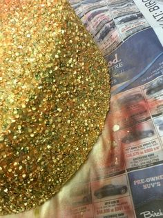Sequins the Easy Way using confetti quins, airbrush with masking coat, applying the gold highlight mixture.