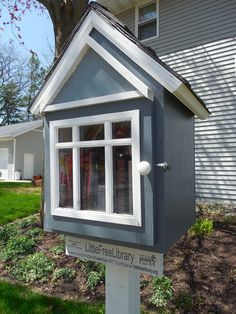 Little Free Library #3041 - Private Home, Seymour, WI