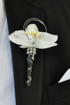 Groom's buttonhole #classy #LELOBridal #wedding