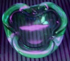 MODERN Mid Century MURANO Glass BOWL Uranium VASELINE Rim GLOWS in BLACKLIGHT #Murano